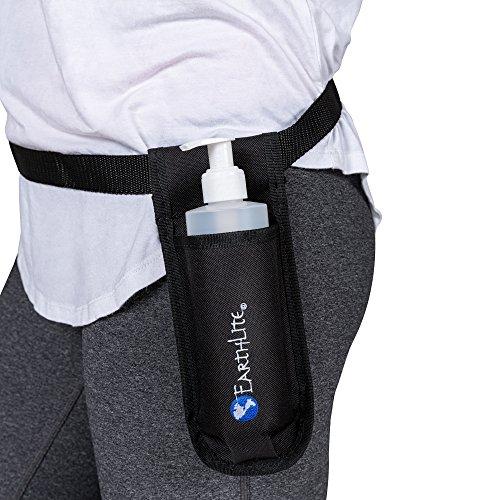 EARTHLITE Massage Öl Flaschenhalter - Schwarzer Hüftgürtel inkl. nachfüllbarer Dispenser Pump...
